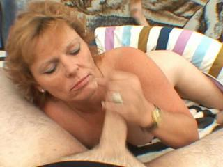 Gilf Sucking Dick Porn - Horny GILF sucks my dick