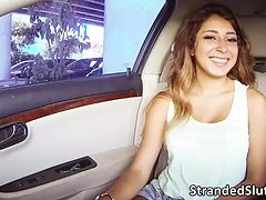 Horny Lost teen Sarai gets Fucked hard by the driver of the cab she is riding