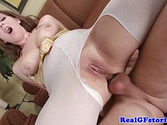 Housewife milf takes it in her butthole